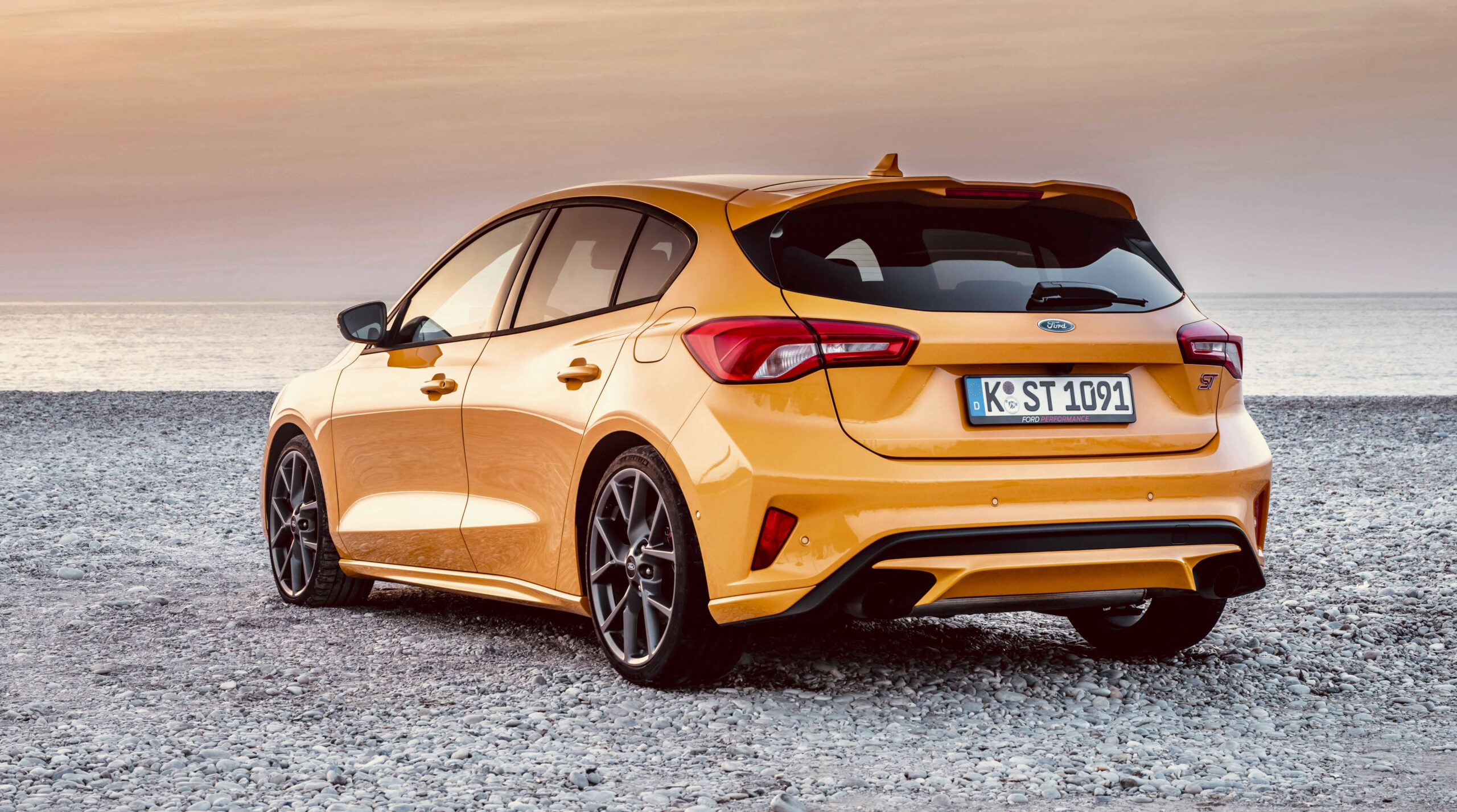 The 8 Ford Focus ST Might Be Fast, But It's Boring To Look At ...