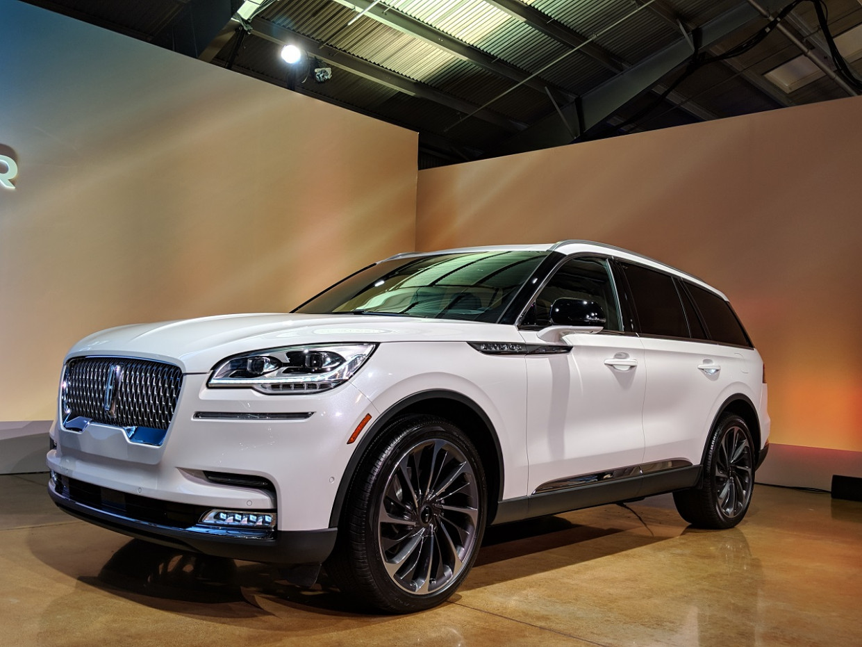 The 8 Lincoln Aviator Gets A 8+HP Plug-In Hybrid And Points ...
