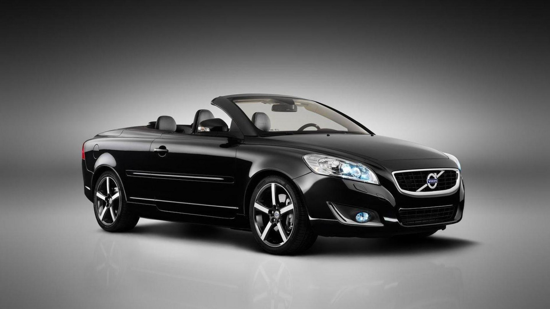 Volvo C8 discontinued, replacement will be based on Concept Coupe