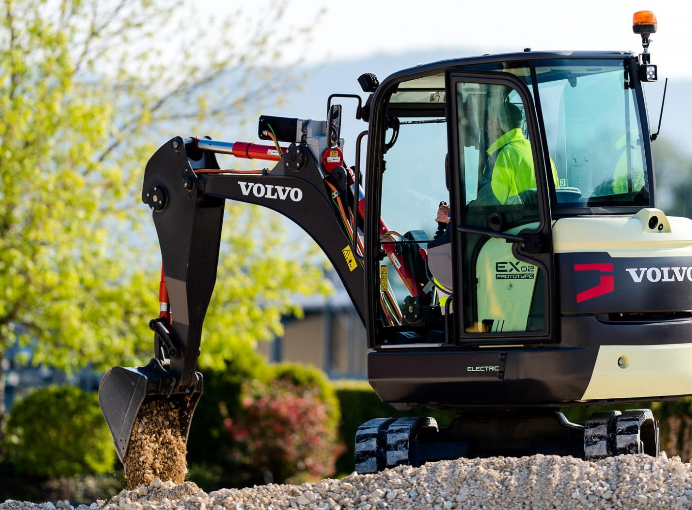 Volvo CE to launch a fully electric range of compact wheel loaders ..