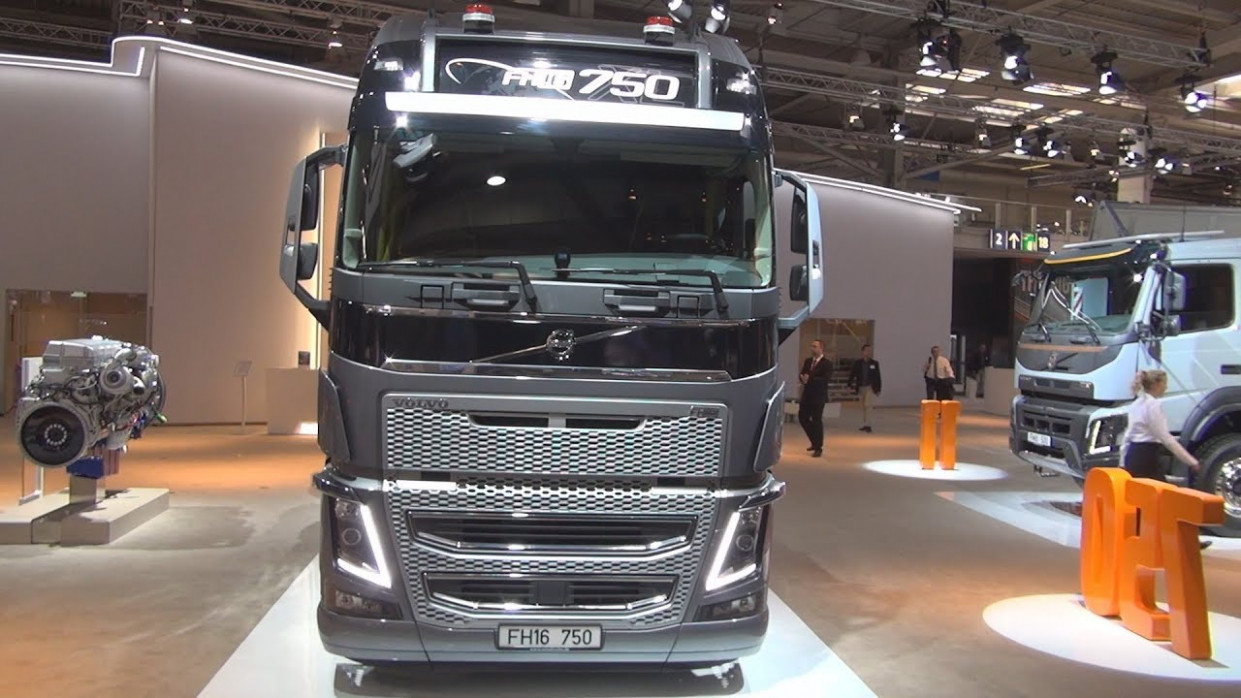 Volvo FH8 8 8x8 Heavy Duty Tractor Truck (8) Exterior and Interior - volvo kamion 2020
