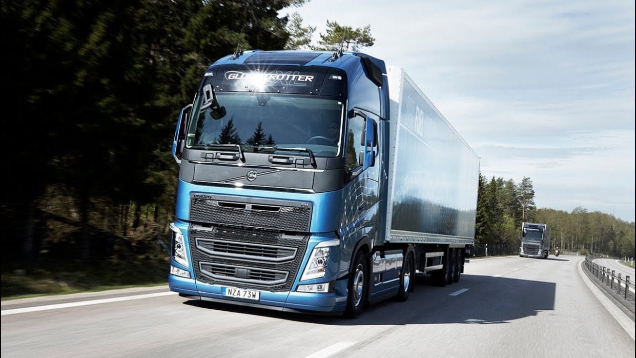 Volvo Trucks – Journalists test drive the new Volvo FH with I-Save