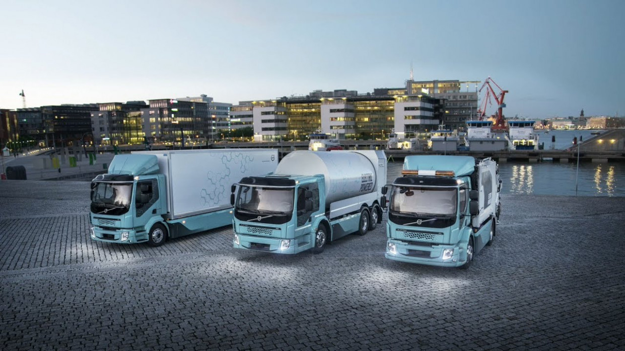 Volvo Trucks – Our first fully electric trucks in action - volvo electric truck 2020