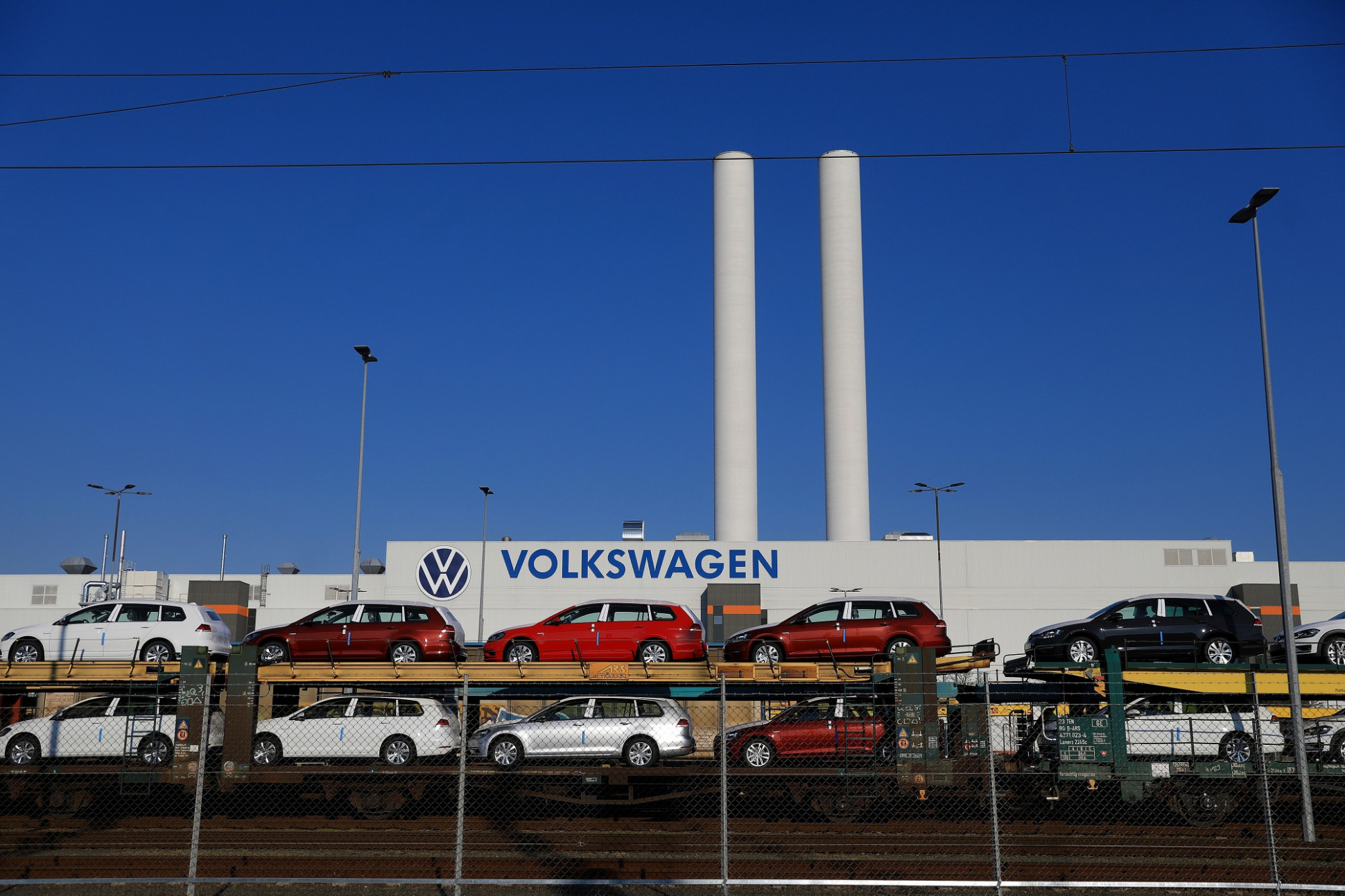 VW Considers Options for Record $6.6 Billion Dividend - Bloomberg