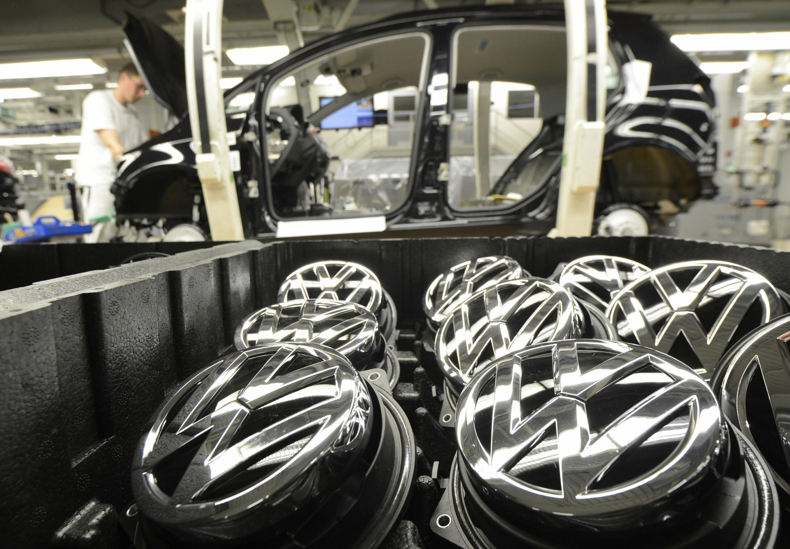 VW considers options for record $6.6 billion dividend